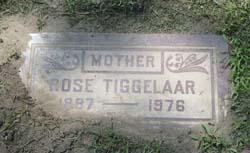 TIggelaar gravestone